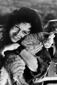 Ripley (Sigourney Weaver) and Jones from the Alien franchise